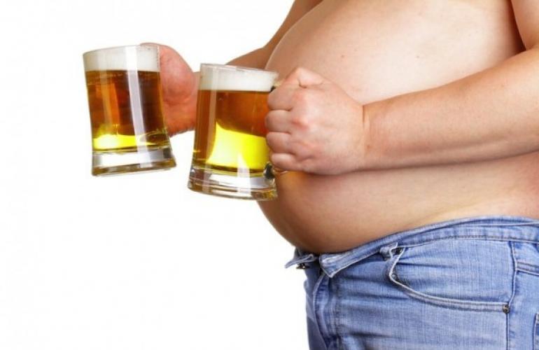 Uống bia có mập không? Nguyên nhân gây ra tăng cân là gì?