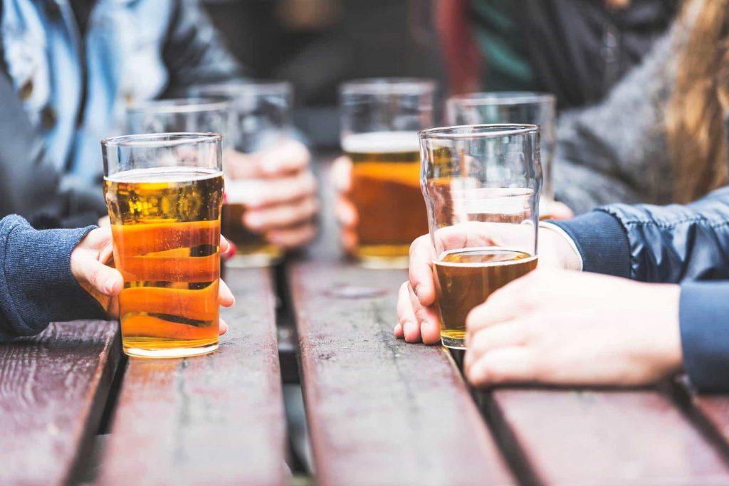 Cần cẩn trọng với rượu bia trong khi mang thai