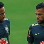 Dani Alves khuyên Neymar ngừng tính trẻ con