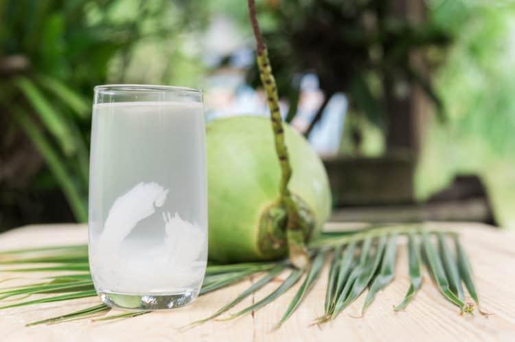 Tác dụng của uống nước dừa