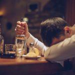 Uống rượu huyết áp tăng hay giảm?