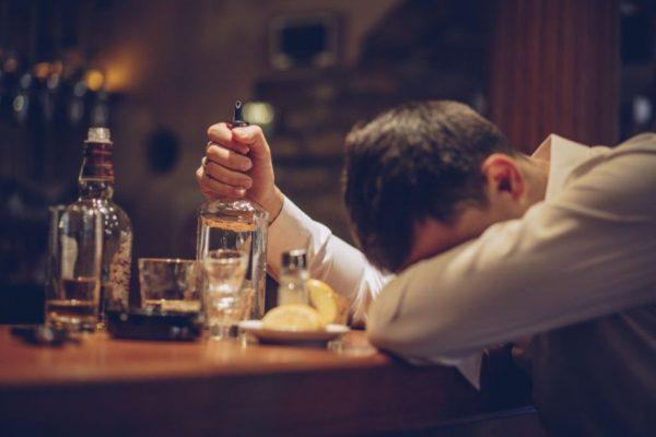 Uống rượu huyết áp tăng hay giảm
